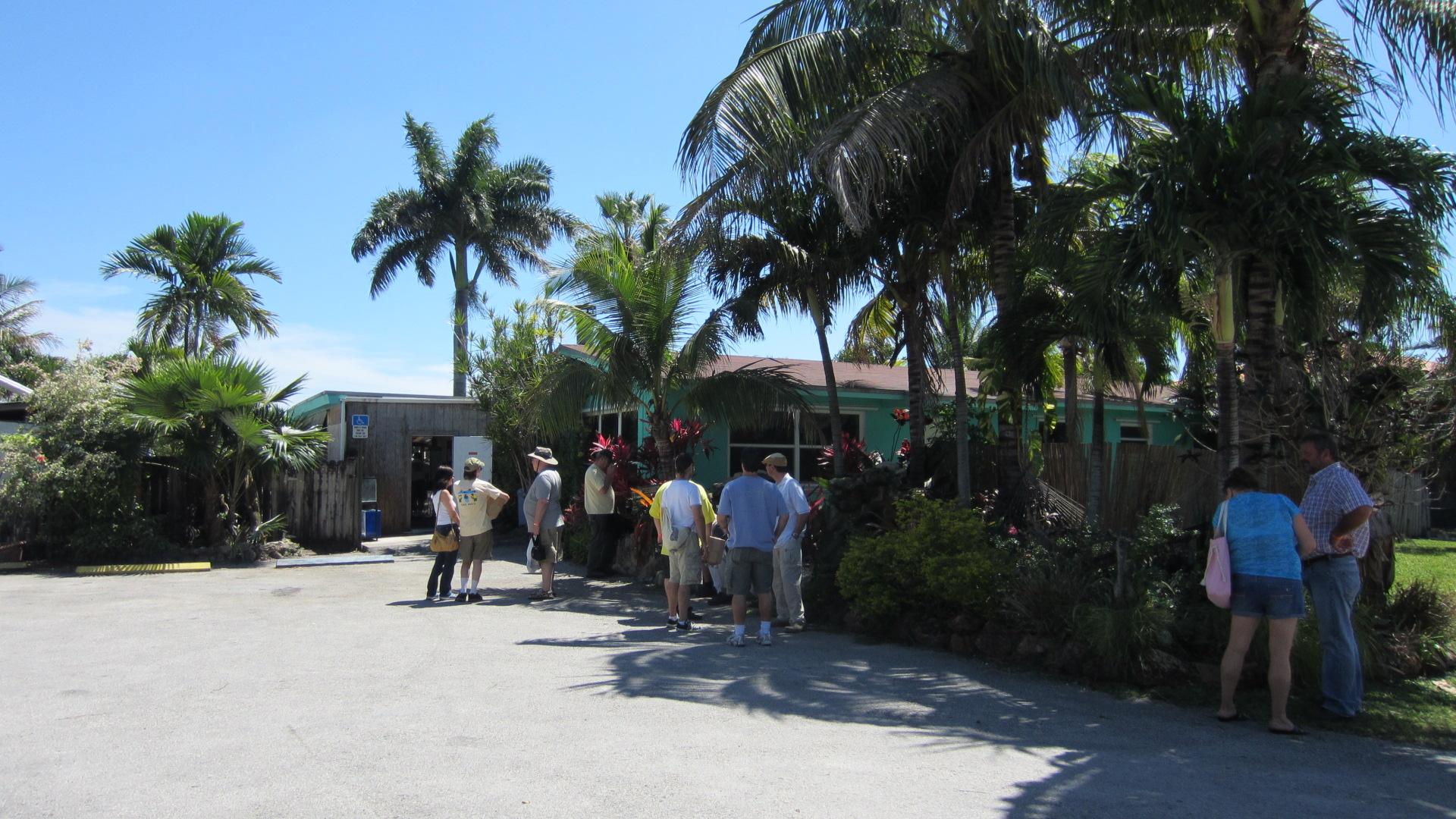 2012 ala convention farm tour neighborhood fish farm for Florida tropical fish farms